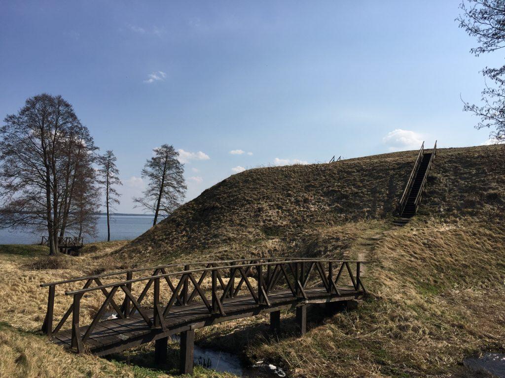 Prelomciskes piliakalnis